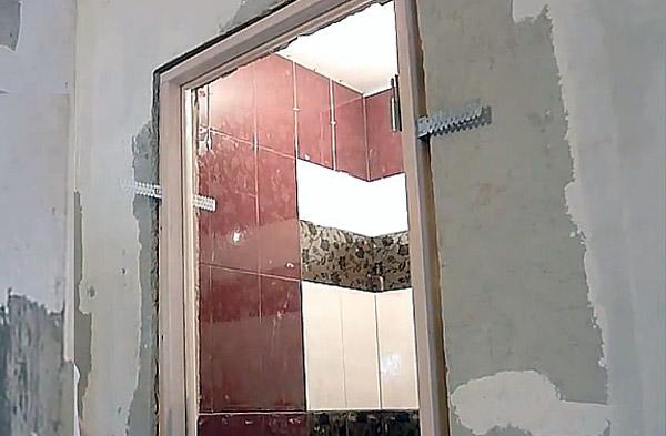 Ставим двери в ванную своими руками 79