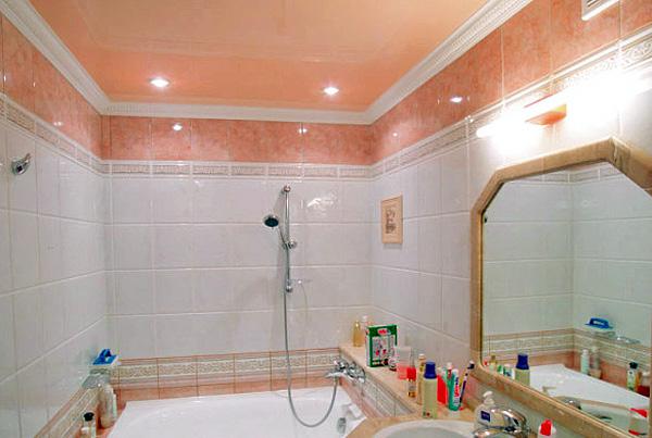 натяжной потолок фото в ванной