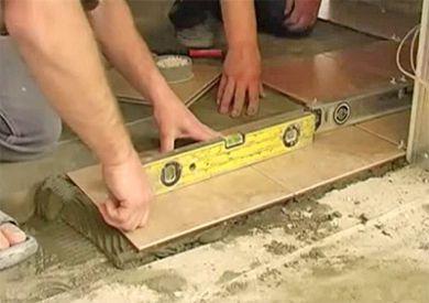 Как укладывать плитку на пол в ванной
