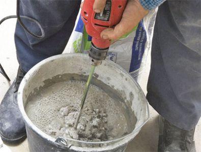 Приготовление плиточного клея миксером (фото)